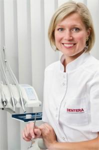 дантист, стоматологической клиники Дентера